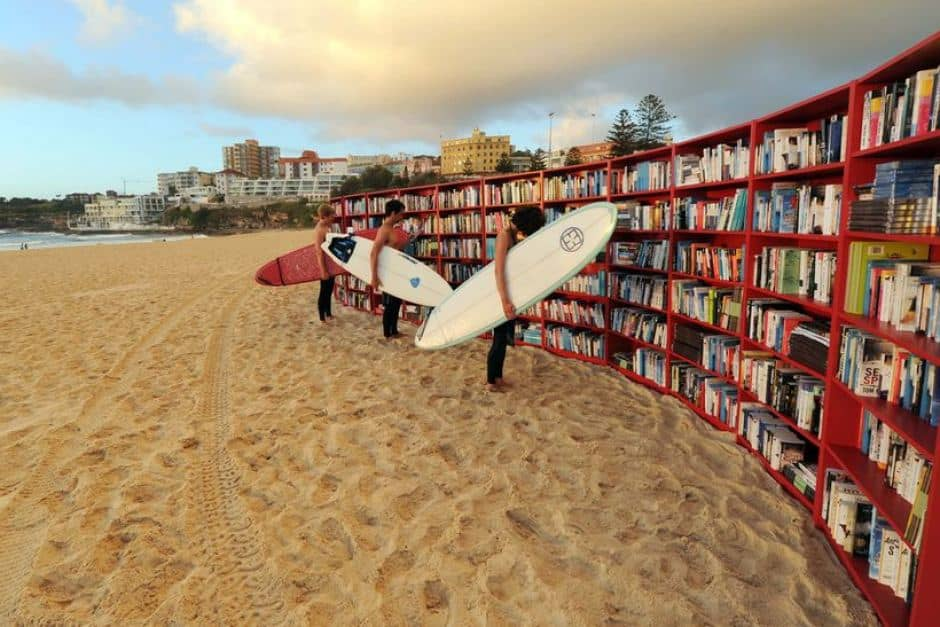 Biblioteca en la playa
