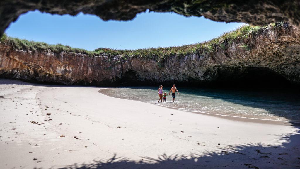 imagen playa escondida islas marietas ISLAS MARIETAS 13