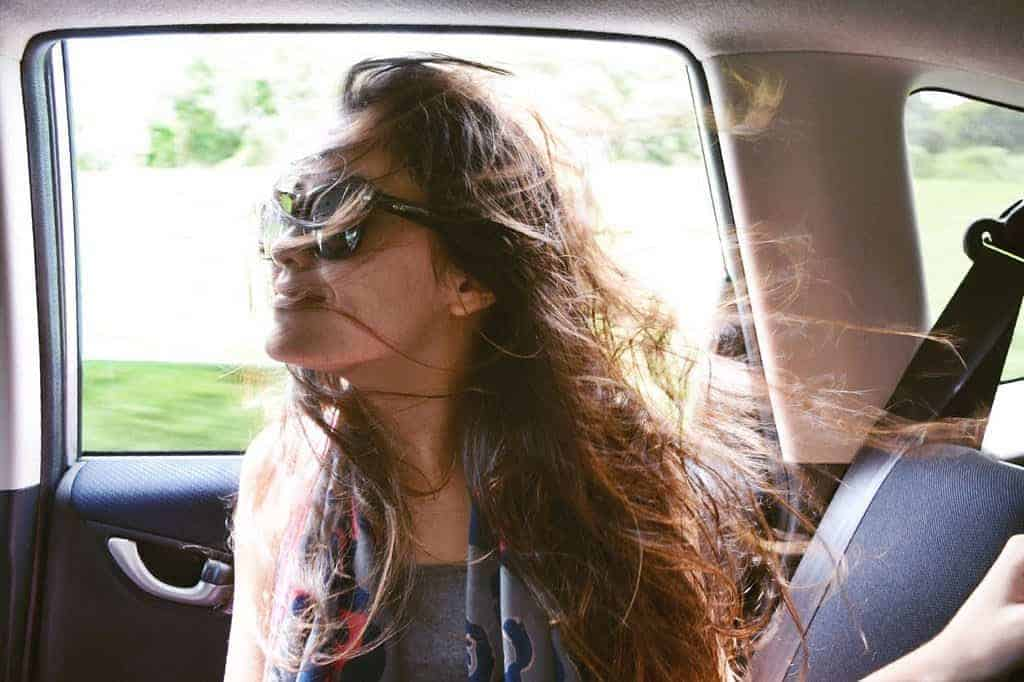 roadtrip viento mujer