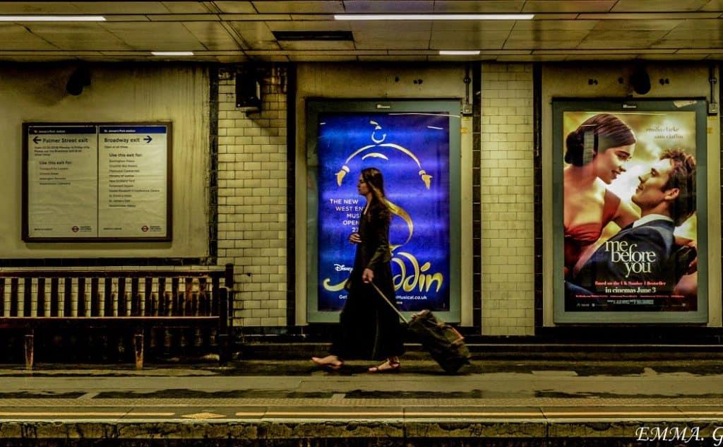 """El metro de Londres publicó un indignante mensaje en donde les decía los pasajeros que se vistan según """"el cuerpo que tienen y no el cuerpo que quieren"""""""