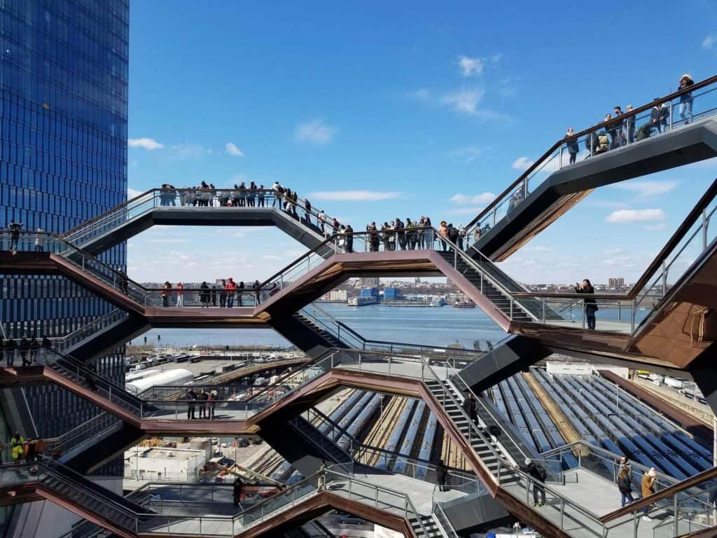 Nueva York: The Vessel Reabre Sus Puertas Al Público Pero Los Visitantes Solteros O Solitarios No Podrán Ingresar