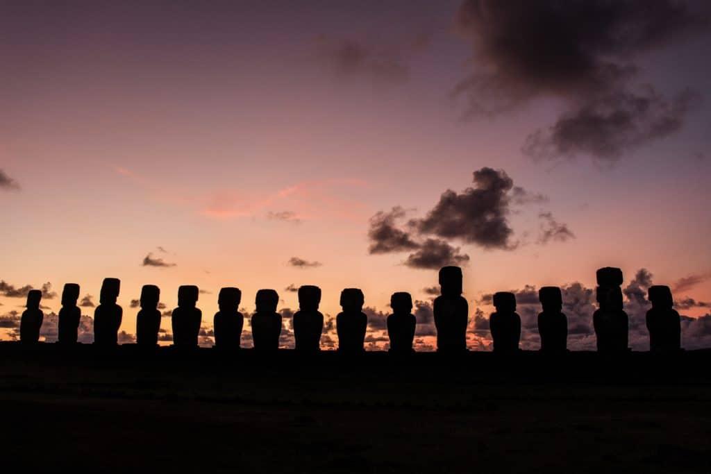 Imperdible: Ver Un Amanecer En Ahu Tongariki
