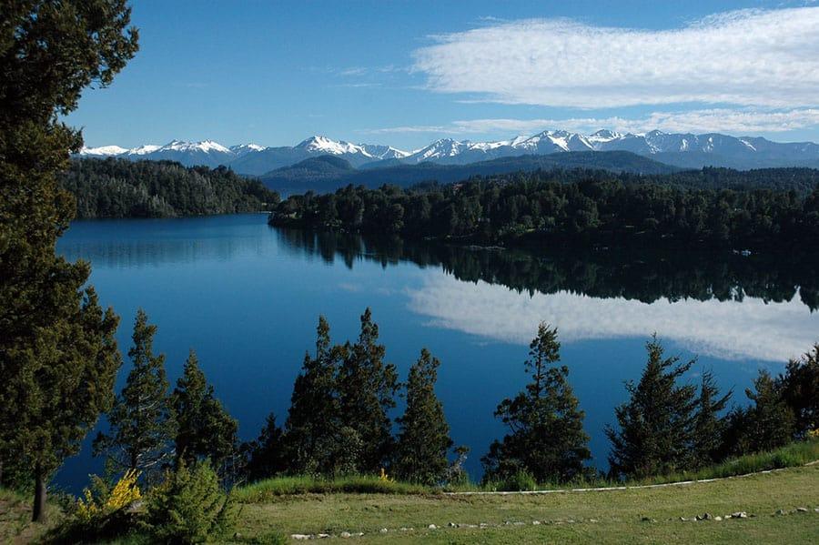 10 Cosas Que Hacer En Bariloche Sin Nieve: Navegar El Lago Nahuel Huapi