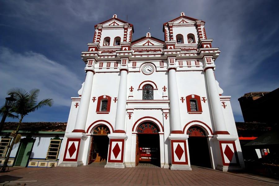 Imagen Cómo Llegar Al Peñón De Guatapé Parroquia Carmen Guatape