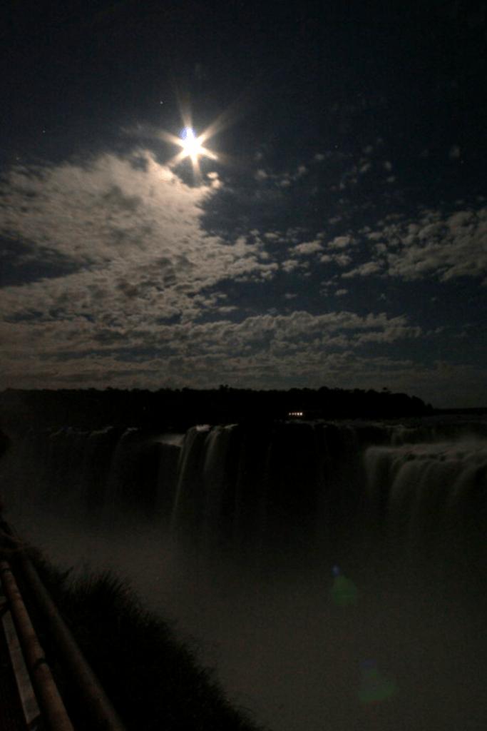 Imagen Cataratas Del Iguazú De Noche Cataratas Nota