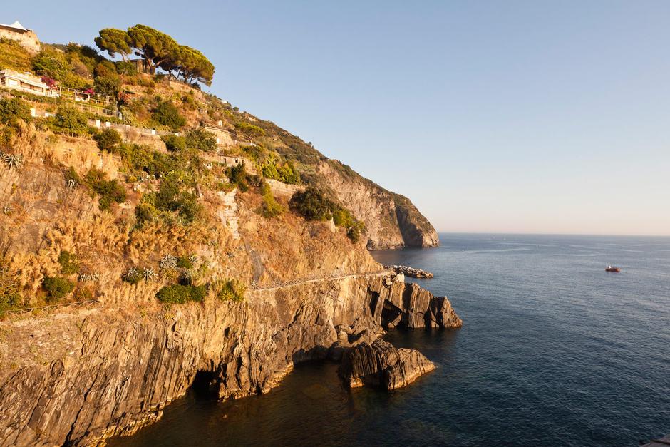 El famoso sendero que une Cinque Terre volverá a abrir después de permanecer cerrado 11 años