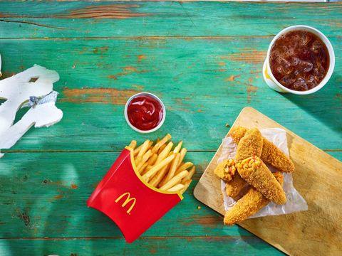 McDonalds lanza un set de velas con olor a pan, ketchup, pepinillos, queso, cebolla y carne fresca