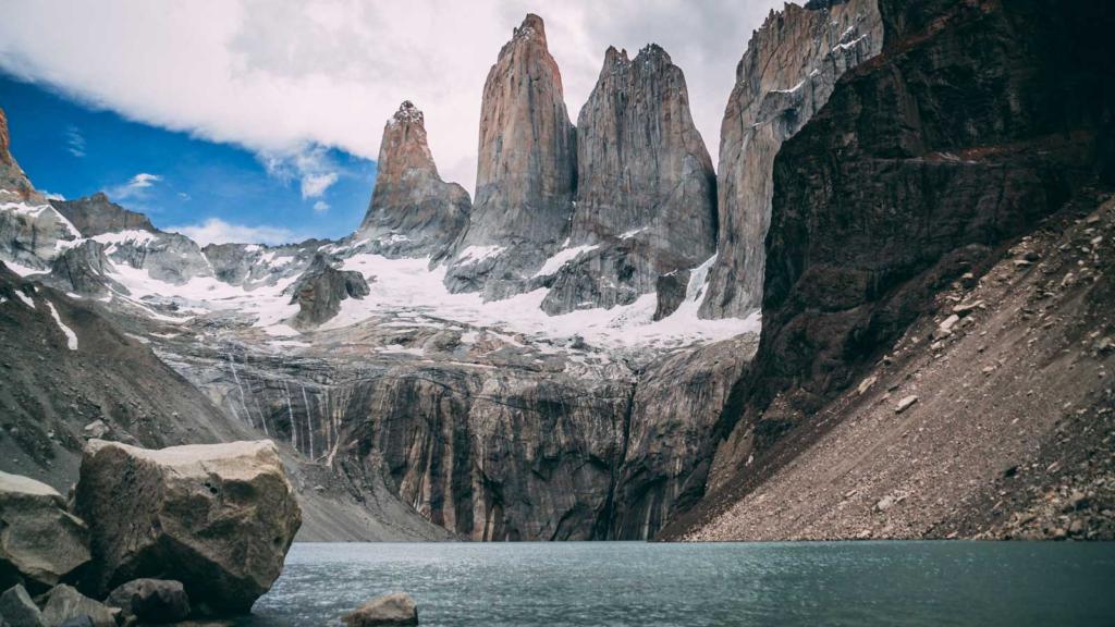 Una turista italiana fue detenida por hacer dibujos en el Parque Nacional Torres del Paine