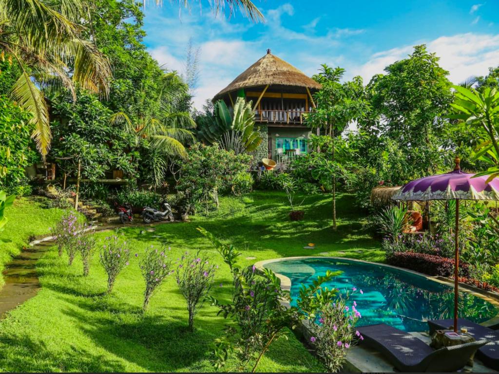 Ahora puedes alojarte en una 'Casa del árbol' en Bali por 44 dólares por noche
