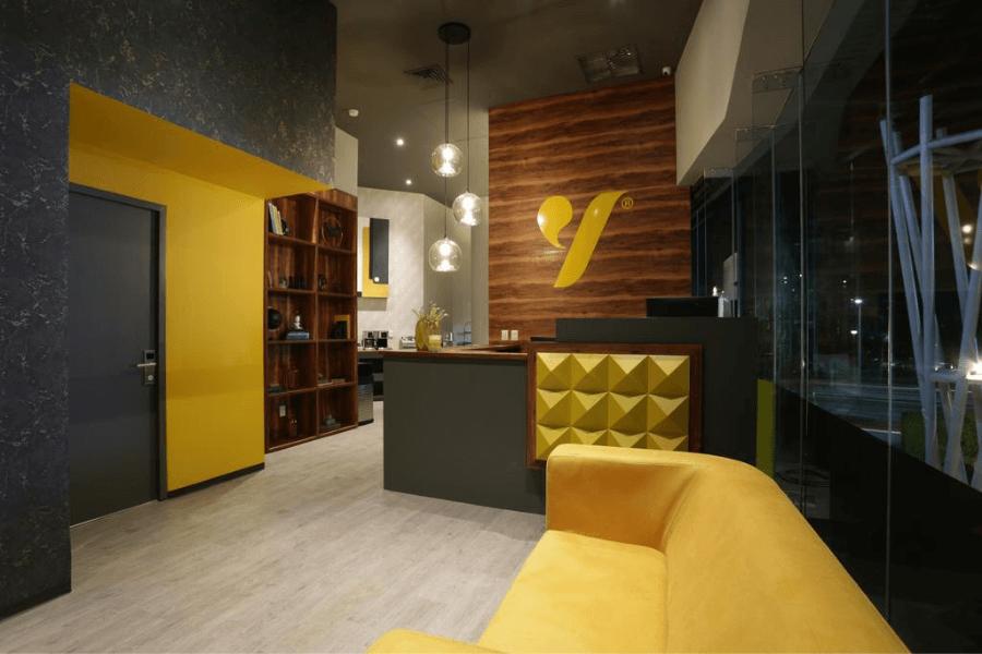 "Cancún inaugura ""The Yellow Capsule Hotel"", su primer hotel cápsula para pasajeros en tránsito"