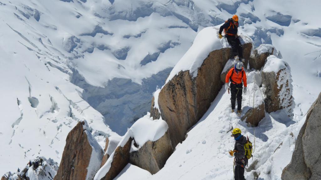 Francia restringirá el acceso al Mont Blanc para conservar su biodiversidad y protegerlo del turismo masivo