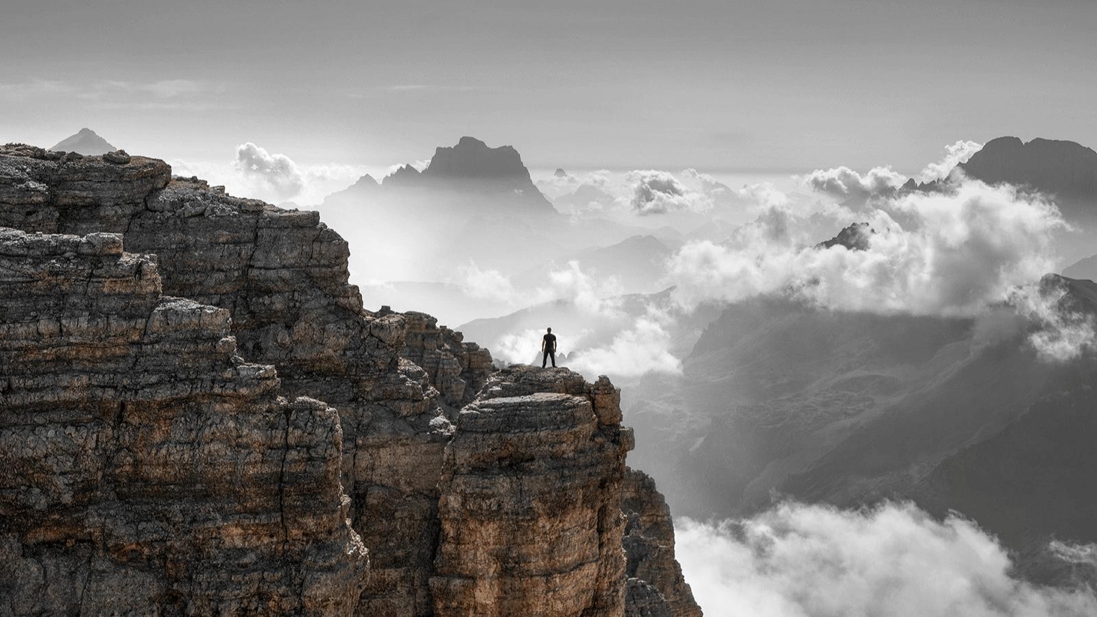 Fotógrafo italiano registra imágenes donde muestra qué tan pequeños somos ante el mundo