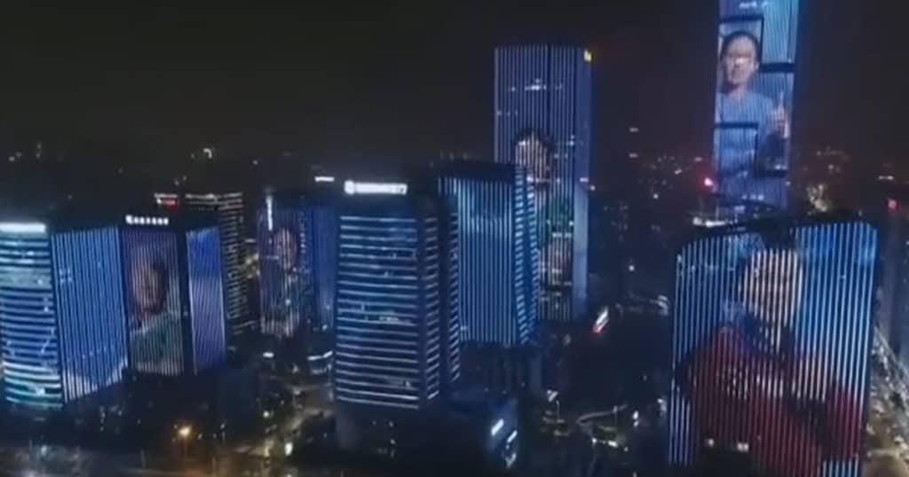 imagen Medic skyscraper thumbs