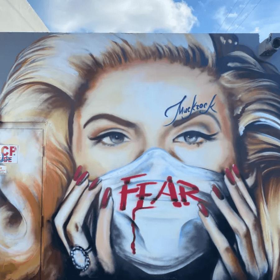 Suiza El arte callejero en tiempos de COVID 19 los artistas resisten con dibujos y graffitis alusivos e ir%C3%B3nicos a la pandemia 6