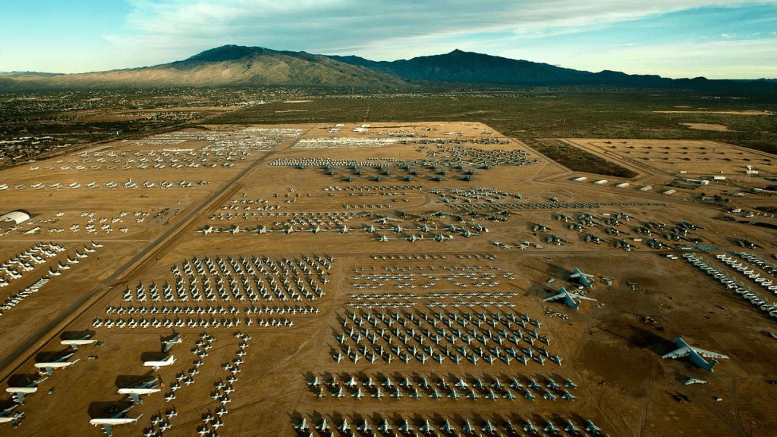 Descubre The Boneyard en Arizona el mayor cementerio de aviones del mundo que puedes visitar gracias a un tour