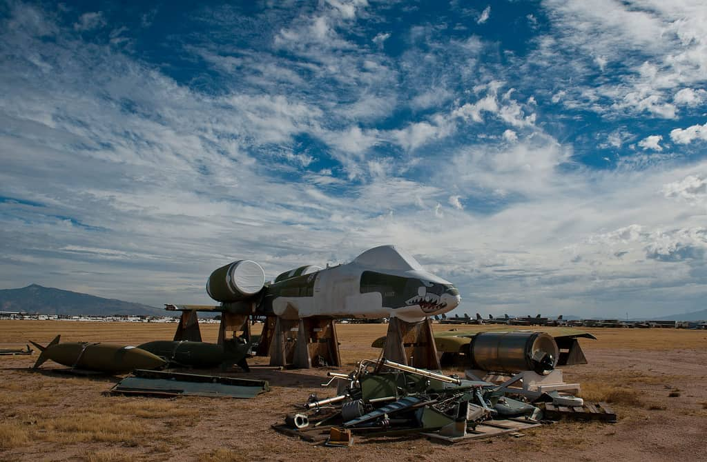 Descubre The Boneyard en Arizona el mayor cementerio de aviones del mundo que puedes visitar gracias a un tour 32 1