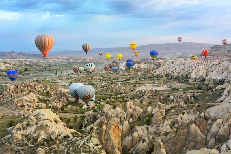 Volar En Globo Por Capadocia: Cómo Reservar Un Vuelo En Globo Aerostático