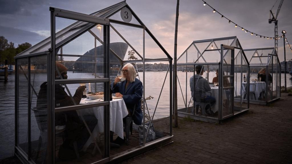Un restaurante argentino propone usar domos para asegurar el distanciamiento social entre los comensales