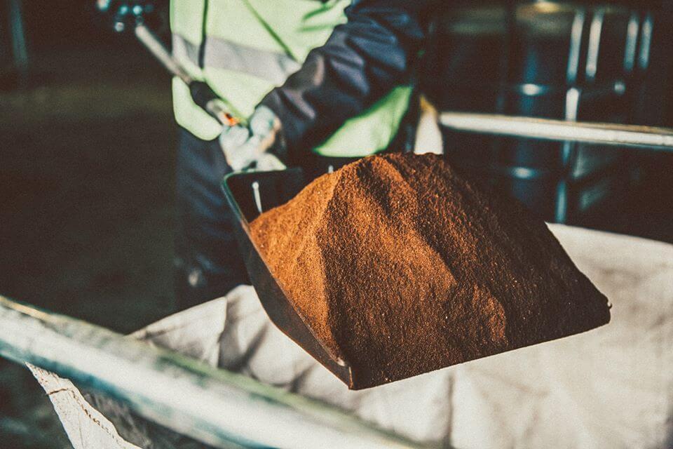 Una startup del Reino Unido está convirtiendo los deshechos del café en combustible