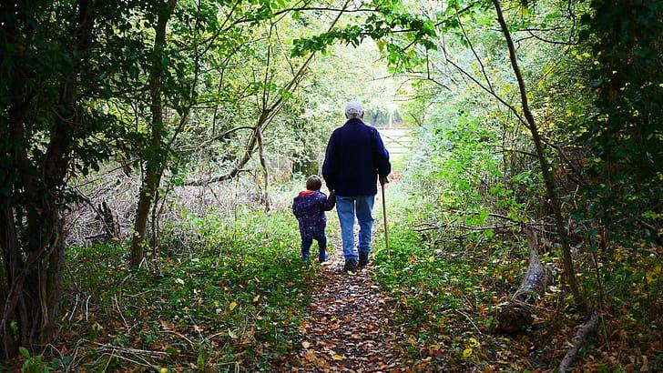 imagen grandparents walk old grandchildren preview