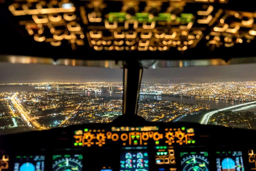 [Entrevista] Santiago Borja, el piloto cazador de tormentas que retrata el cielo desde un Boeing 767