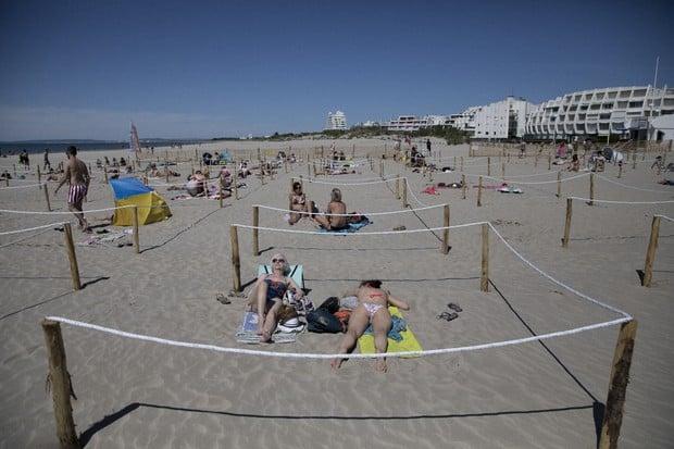 [Francia] Presentan nuevas medidas para mantener la distancia social en la playa