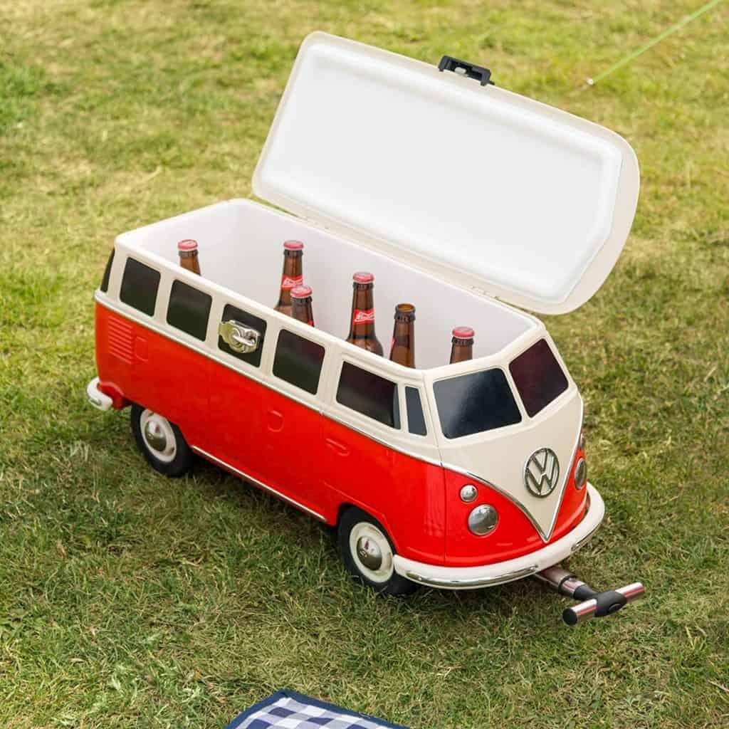 Puedes comprar una mini van de Volkswagen para enfriar tus cervezas » Intriper.