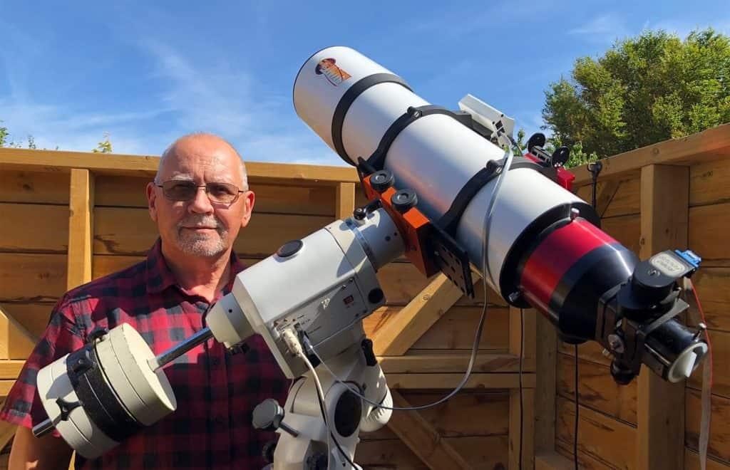 Un hombre sacó impresionantes fotos del sol desde el jardín de su casa
