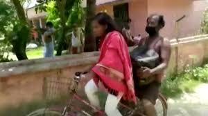 Chica de 15 años viajó 1200 kilómetros en bicicleta con su padre herido