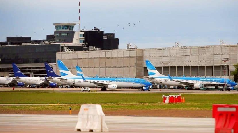 """Argentina: el Gobierno analiza permitir vuelos """"cortos"""" para las vacaciones de invierno"""