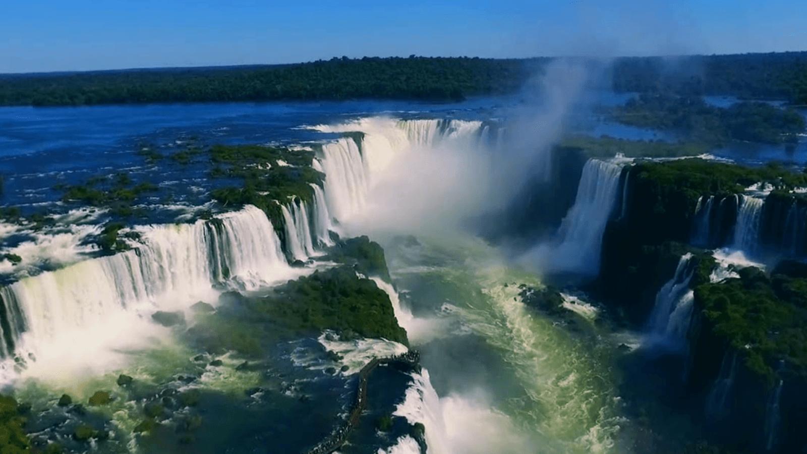Video Las imágenes registradas por este drone muestran a las Cataratas del Iguazú como nunca las viste 1
