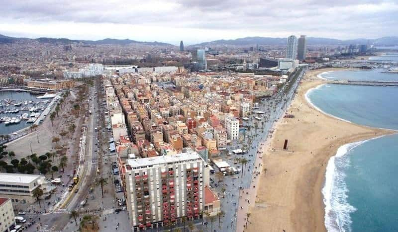 Barcelona Instalan videosensores en las playas para controlar la capacidad de ocupación y evitar las aglomeraciones 1