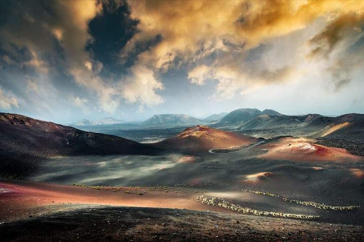 imagen Parque Nacional de Timanfaya Explora el Parque Nacional de Timanfaya una ruta de volcanes en las Islas Canarias 1