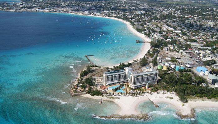 Barbados anuncia la reanudación de vuelos comerciales a partir de la primera quincena de julio