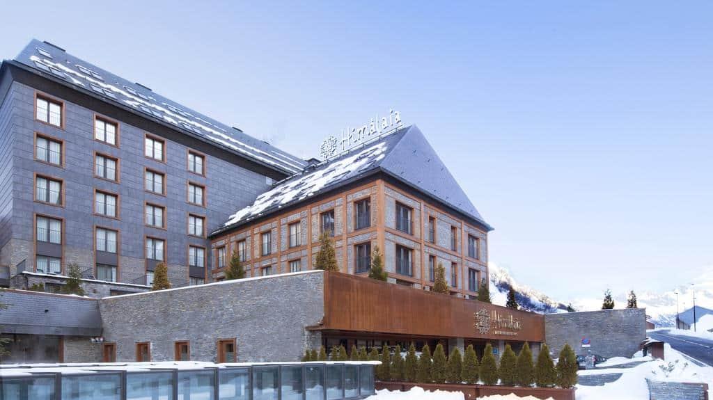 centro de esquí más importante de España Conoce el hotel Himalaia un hospedaje perfecto en el centro de esqu%C3%AD m%C3%A1s importante de Espa%C3%B1a 00