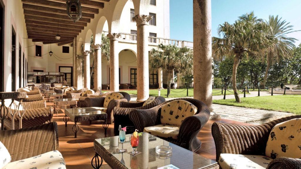 48hs en la habana hotel nacional de cuba patio