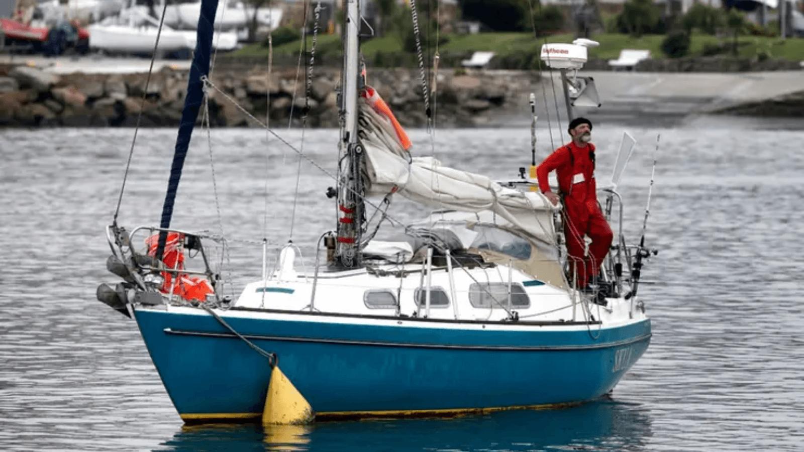 Cruzó el océano Atlántico en velero durante 74 días para reencontrarse con su familia en Mar del Plata