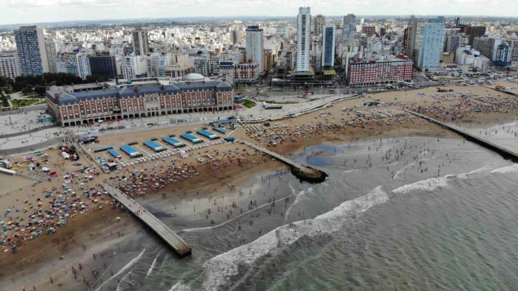 Mar del Plata exigirá la prueba de hisopado para turistas que quieran veranear en sus playas