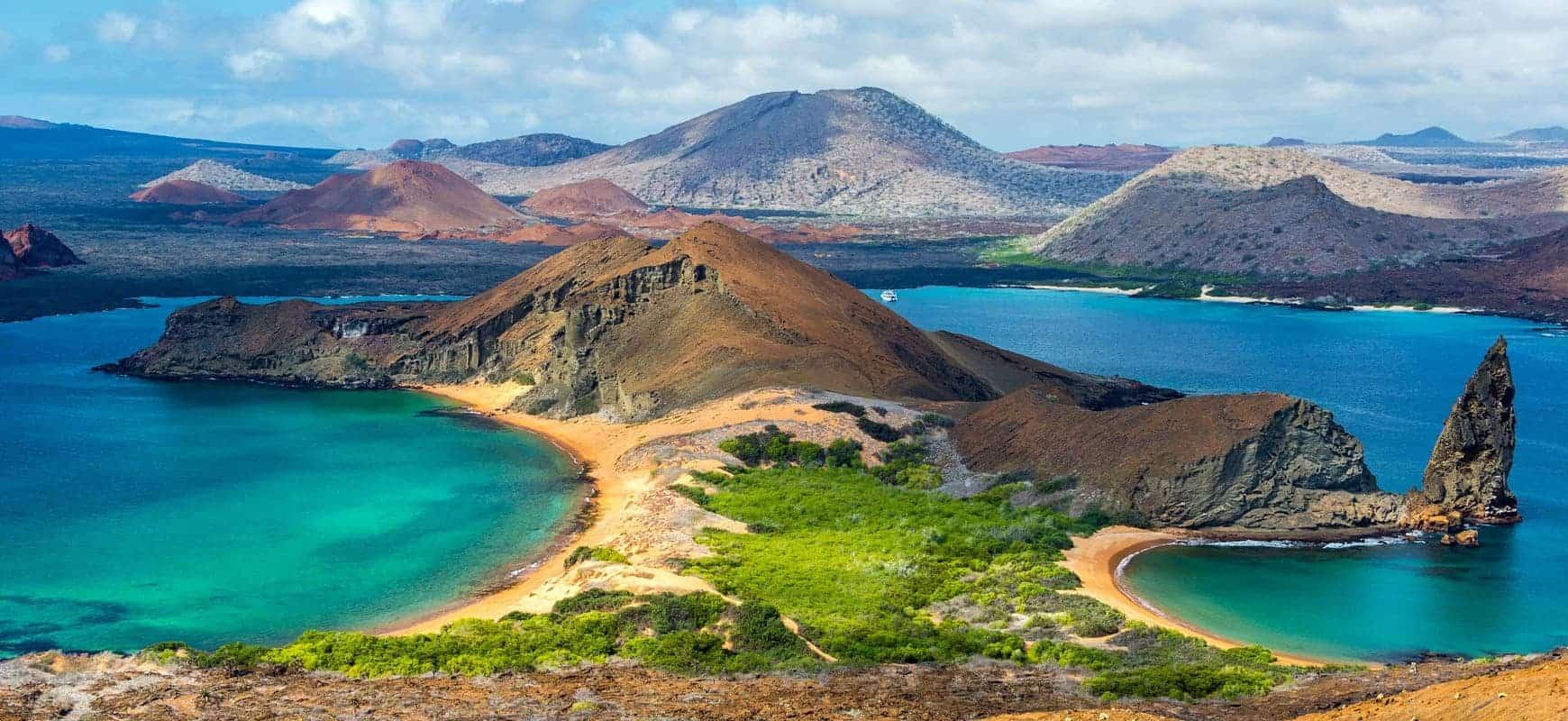 liveaboard-bartolome-island-galapagos-pinnacle-rock-xl