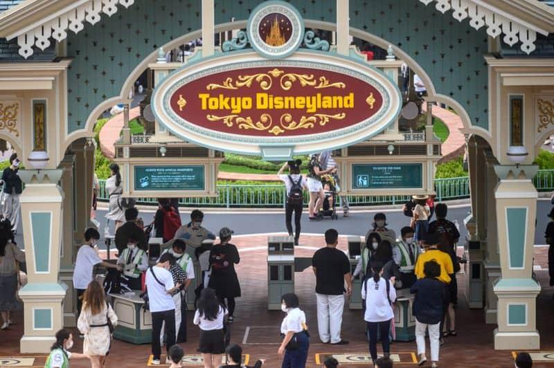 Tokyo Disneyland reabrió tras la cuarentena y las imágenes te sorprenderán