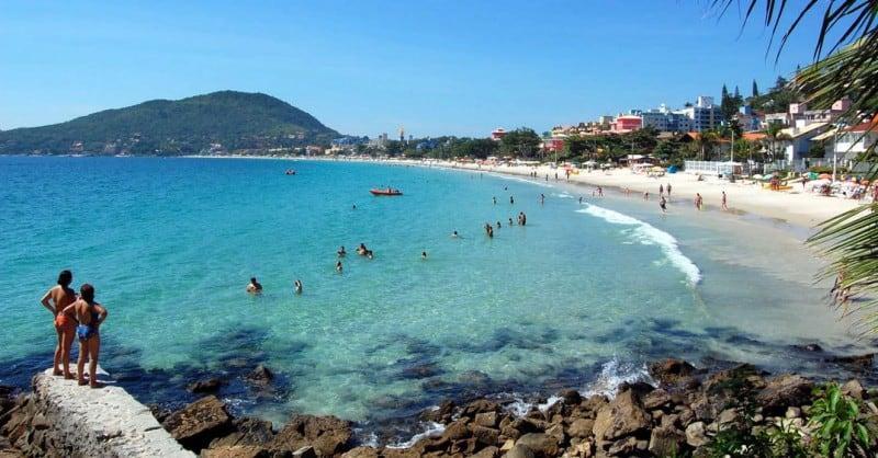 imagen requisitos para entrar a 5 nuevas playas de Brasil recibir%C3%A1n la certificaci%C3%B3n internacional Bandera Azul como reconocimiento a la sostenibilidad ambiental