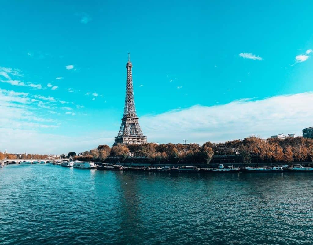 La Torre Eiffel prepara su reapertura para el 16 de diciembre