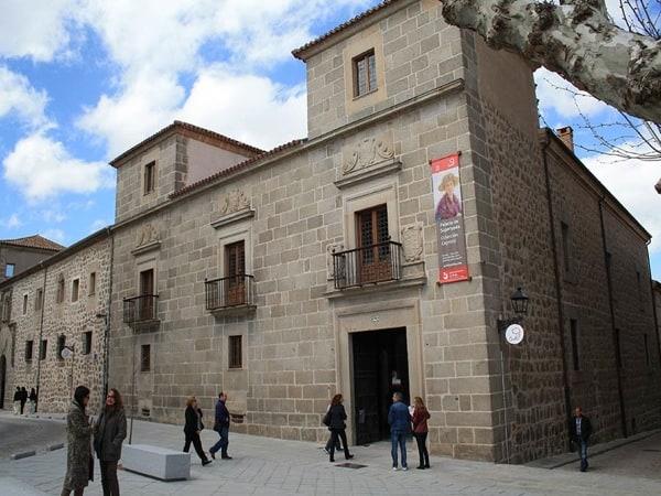 trenes temáticos para descubrir Castilla Palacio
