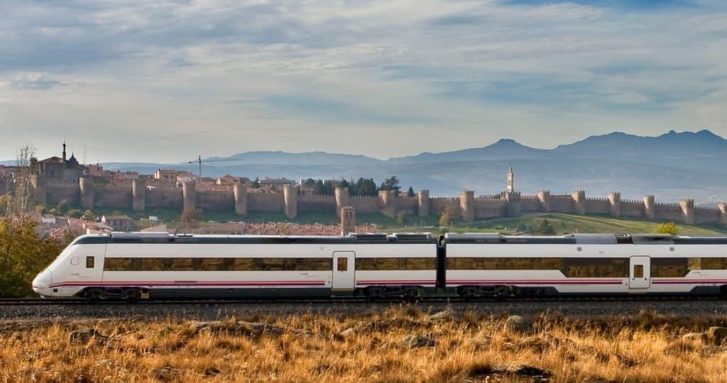 trenes temáticos para descubrir Castilla Renfe recupera 5 trenes tem%C3%A1ticos para descubrir Castilla este 2020 4
