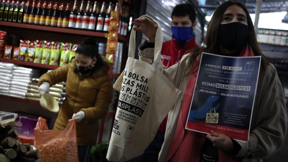 Chile dice adiós a las bolsas de plástico en todos los comercios del país