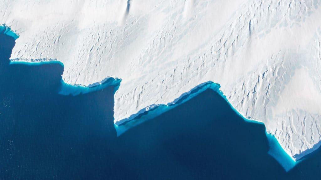sobrevolar la Antártida