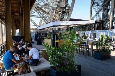 Café en la Torre Eiffel
