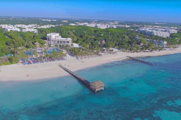 Riviera Maya abre tres de las playas públicas en Playa del Carmen en un intento por reactivar la economía: el aforo será reducido