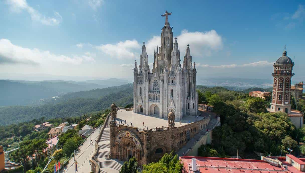 6 razones para visitar la montaña de Tibidabo, el lugar perfecto para admirar Barcelona 1