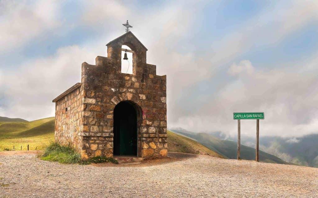 """Argentina tendrá tres feriados """"puente"""" en el 2021 para incentivar el turismo interno"""